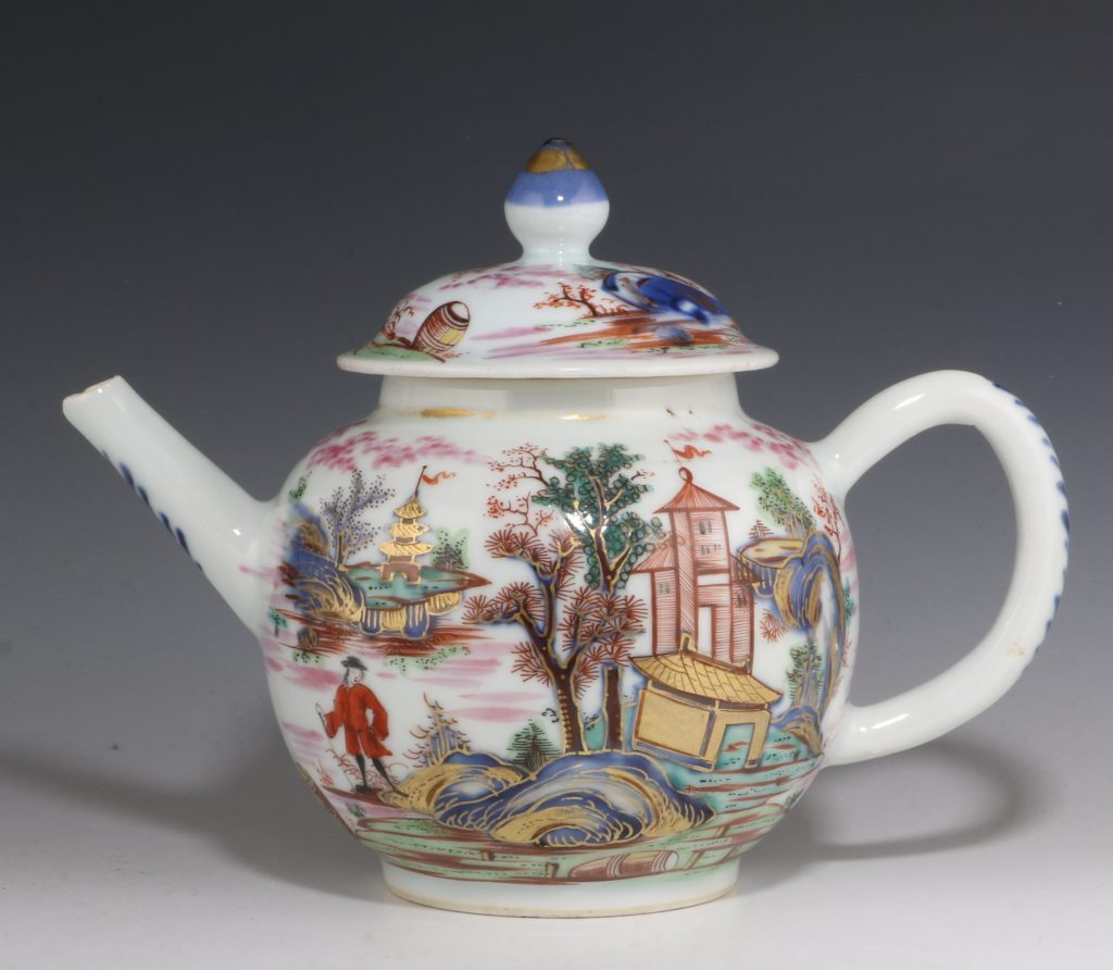 London Decorated Chinese Blue and White Teapot 1746/50 3