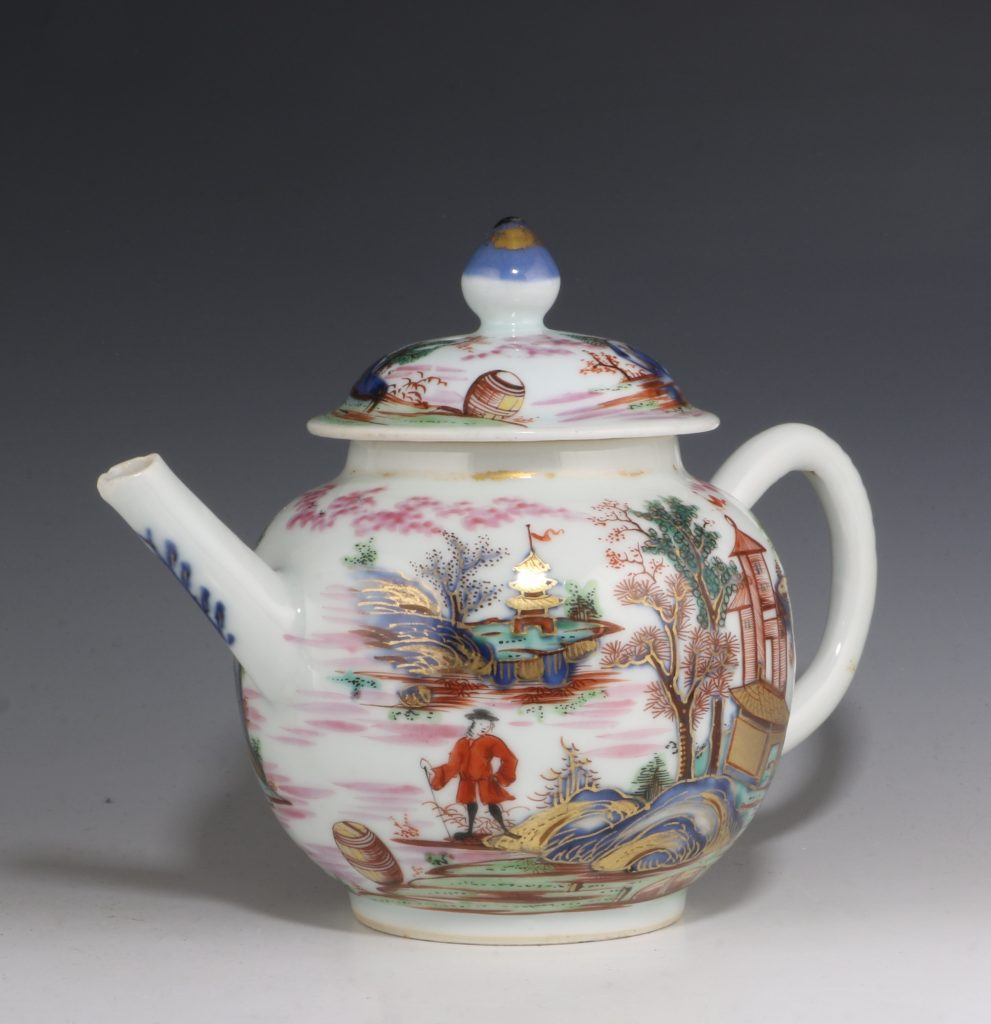 London Decorated Chinese Blue and White Teapot 1746/50 4