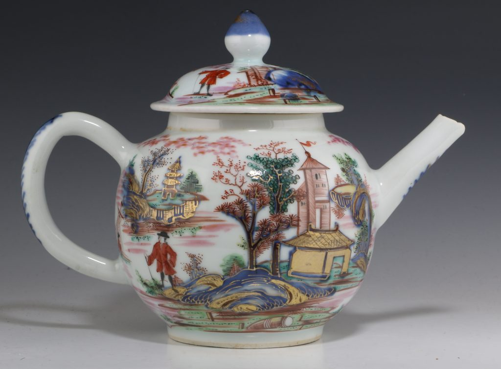 London Decorated Chinese Blue and White Teapot 1746/50 6