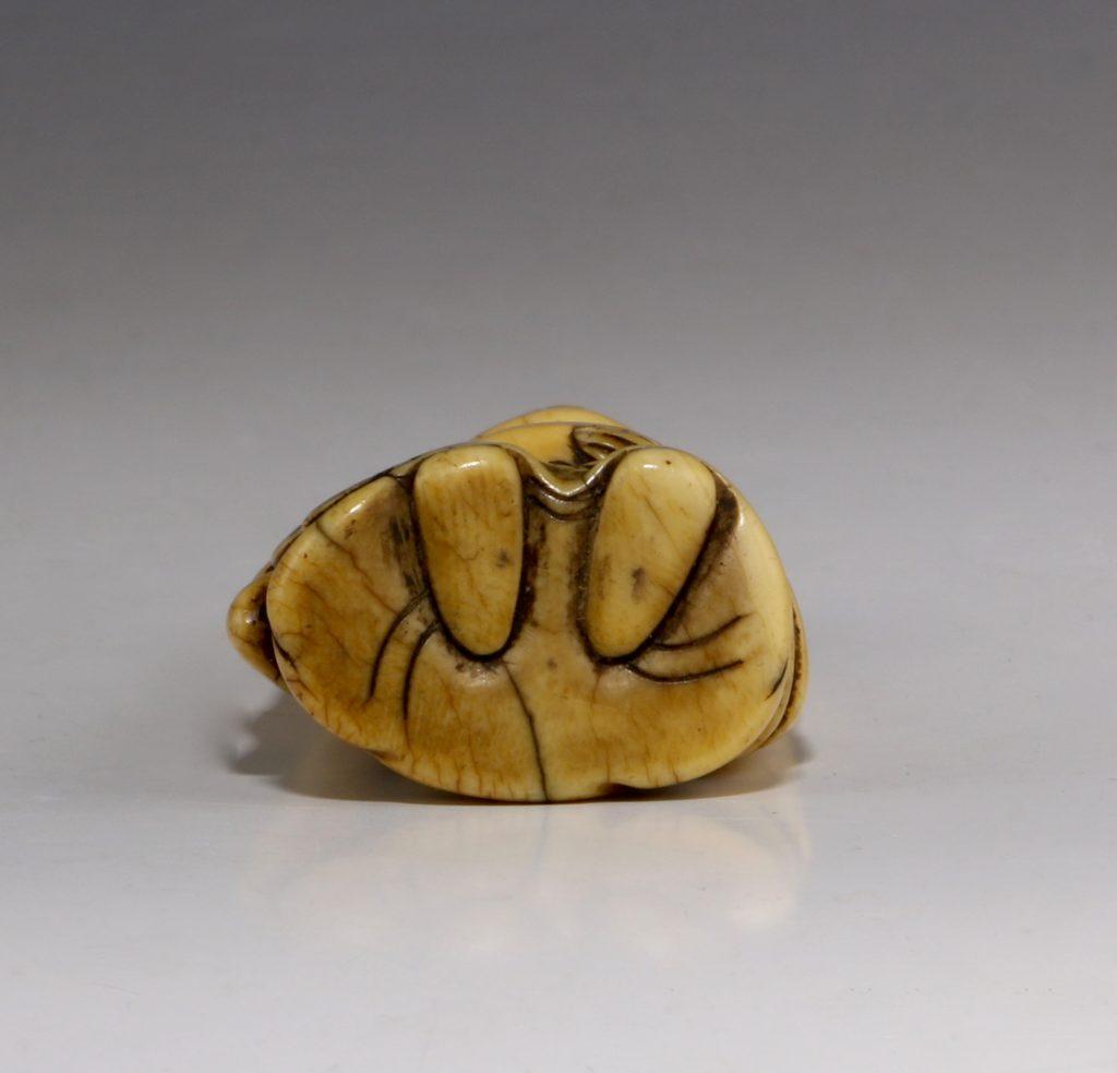 Japanese Ivory Netsuke of Hotei 18/19thC 4