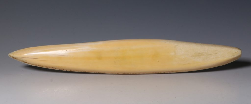 Eskimo Marine Ivory Cribbage Board 19/20thC 3