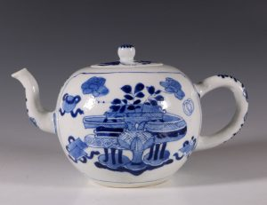 Chinese Blue and White Teapot Kangxi C1700