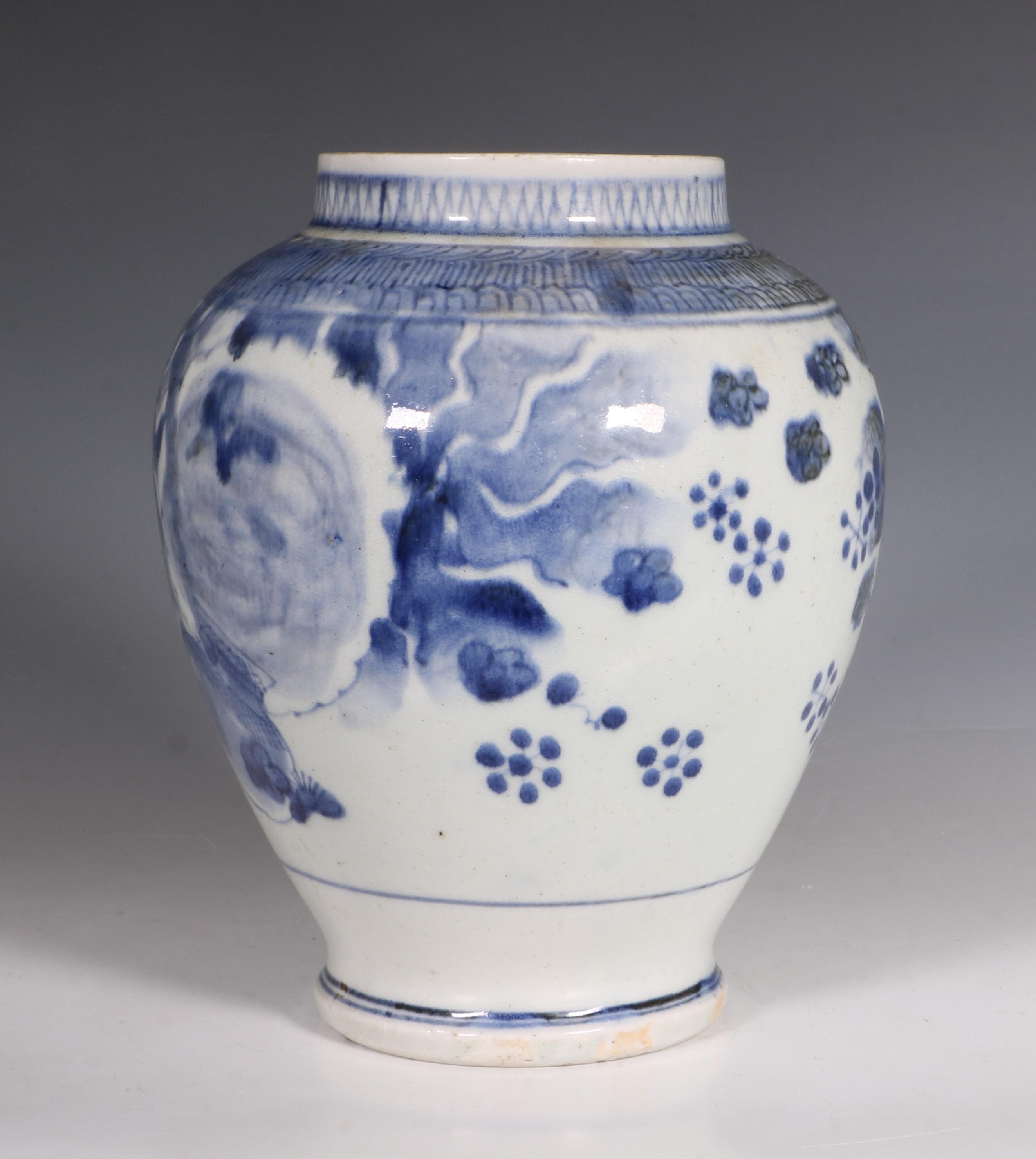 japanese arita blue and white vase l17thc 6