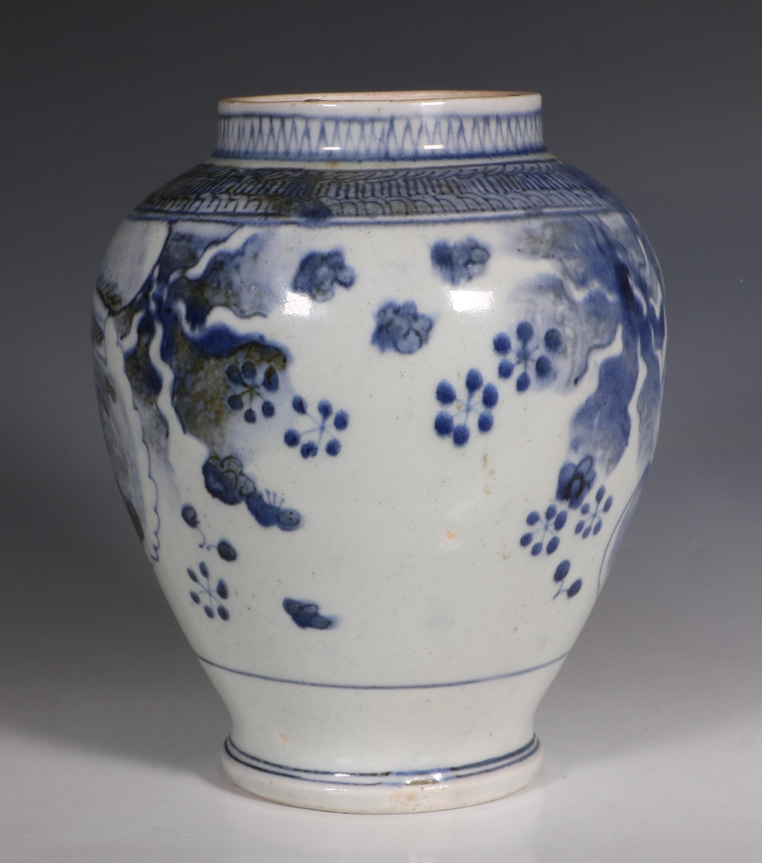 japanese arita blue and white vase l17thc 2