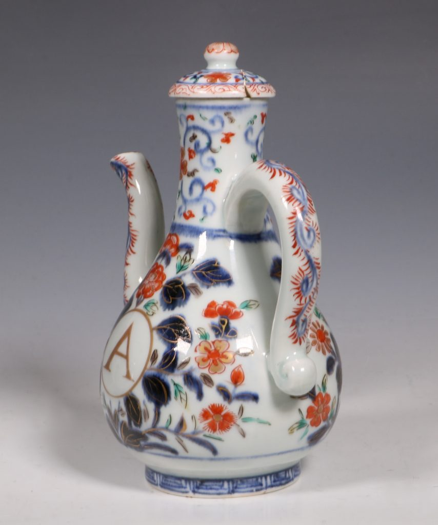 An Imari Ewer and Cover E18thC 1