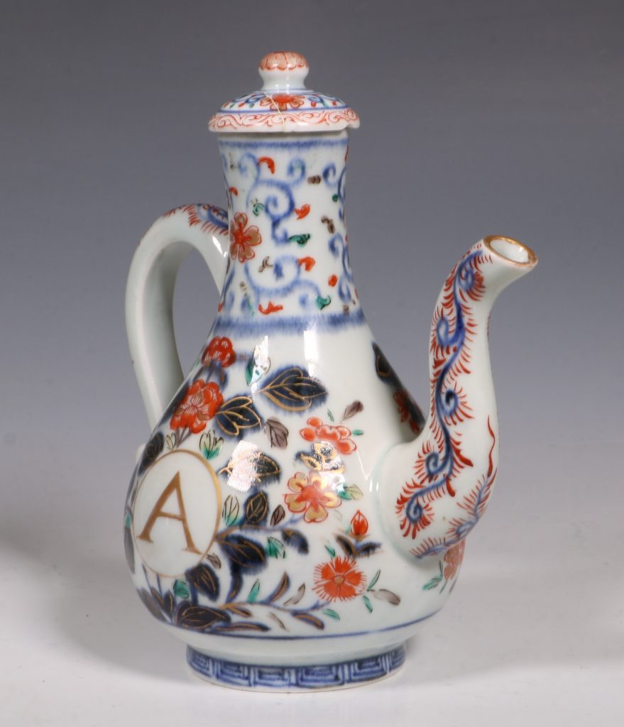 An Imari Ewer and Cover E18thC 4