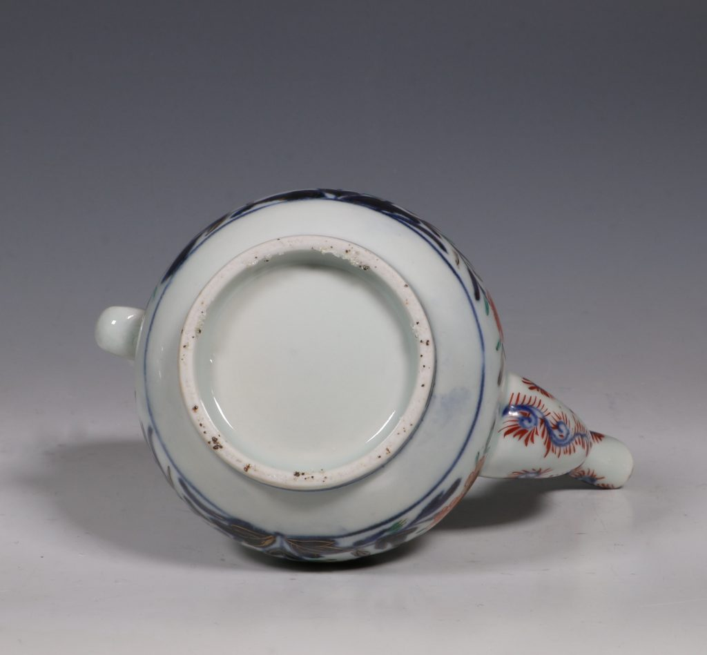 An Imari Ewer and Cover E18thC 5