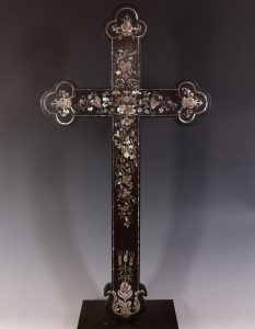 Chinese Mother of Pearl Inlaid Wood Apostle Cross 18/19thC
