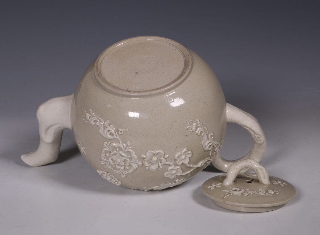English Saltglaze Teapot C1750/55 7
