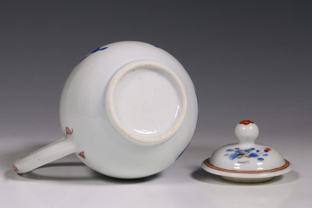 Chinese Enamelled Cream Jug and Cover C1740 7