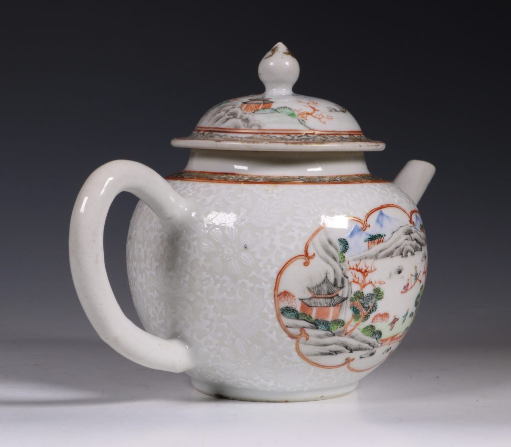A Fine Famille Rose Teapot and Cover C1735 2