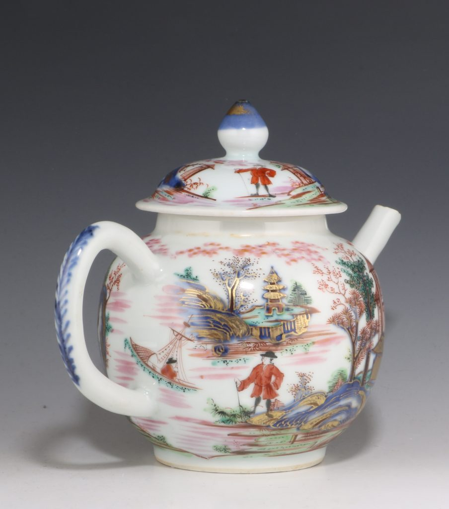 London Decorated Chinese Blue and White Teapot 1746/50 1