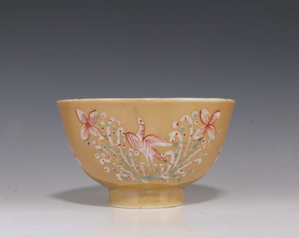 London Decorated Kangxi Teabowl C1690/1710