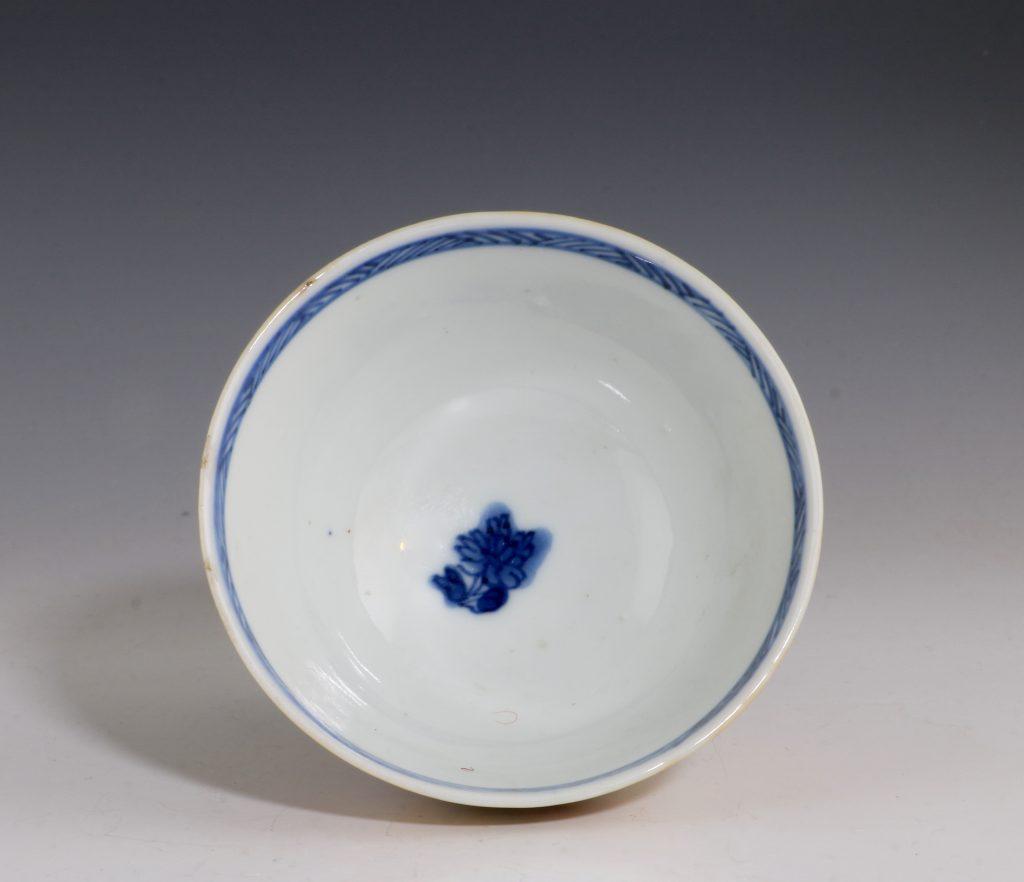 London Decorated Kangxi Teabowl C1690/1710 4