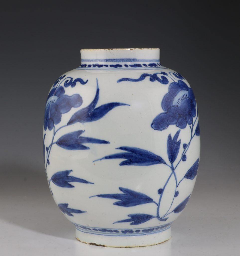 Dutch Delft Blue and White Small Jar L17thC 2