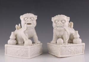 Pair of Blanc de Chine Dogs of Fo Kangxi L17thC
