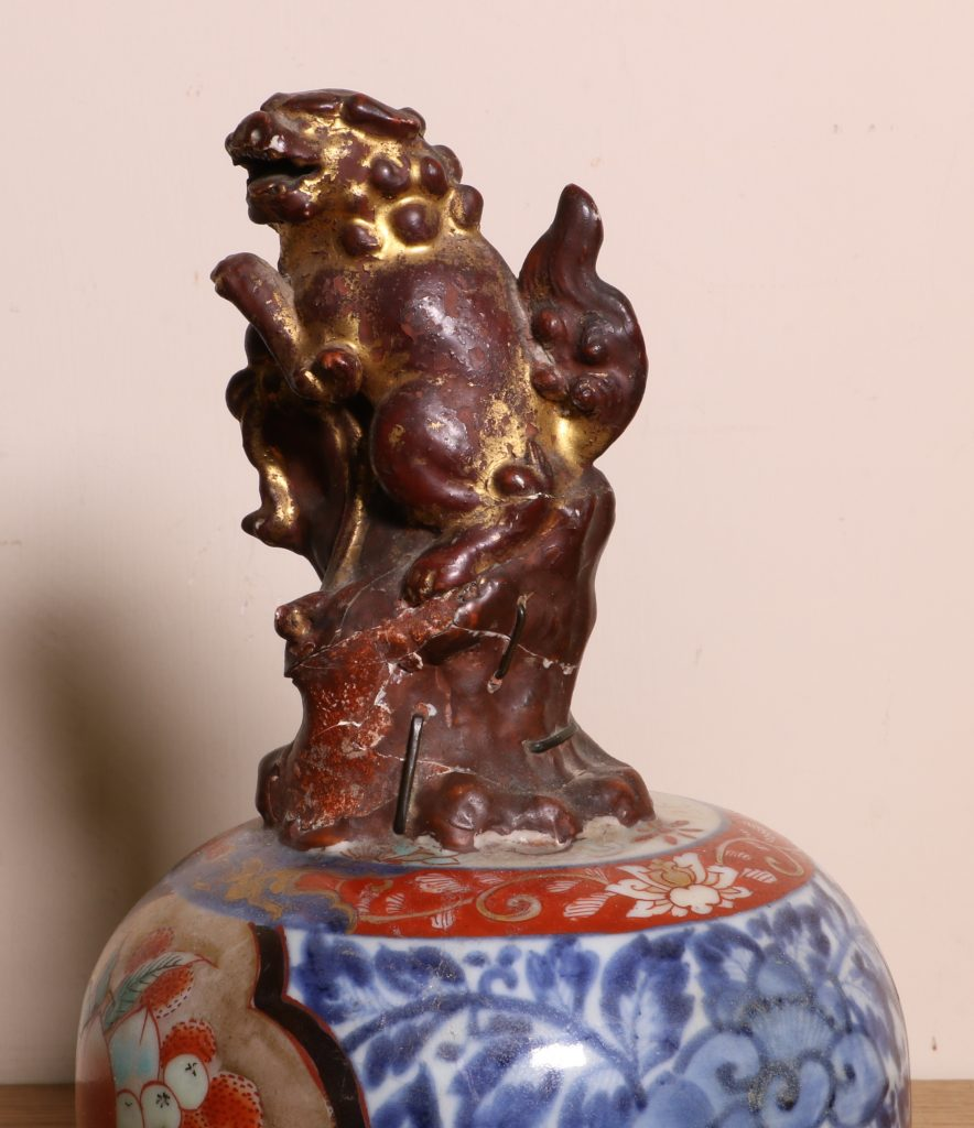 Japanese Imari Vase and a Cover L17thC 10