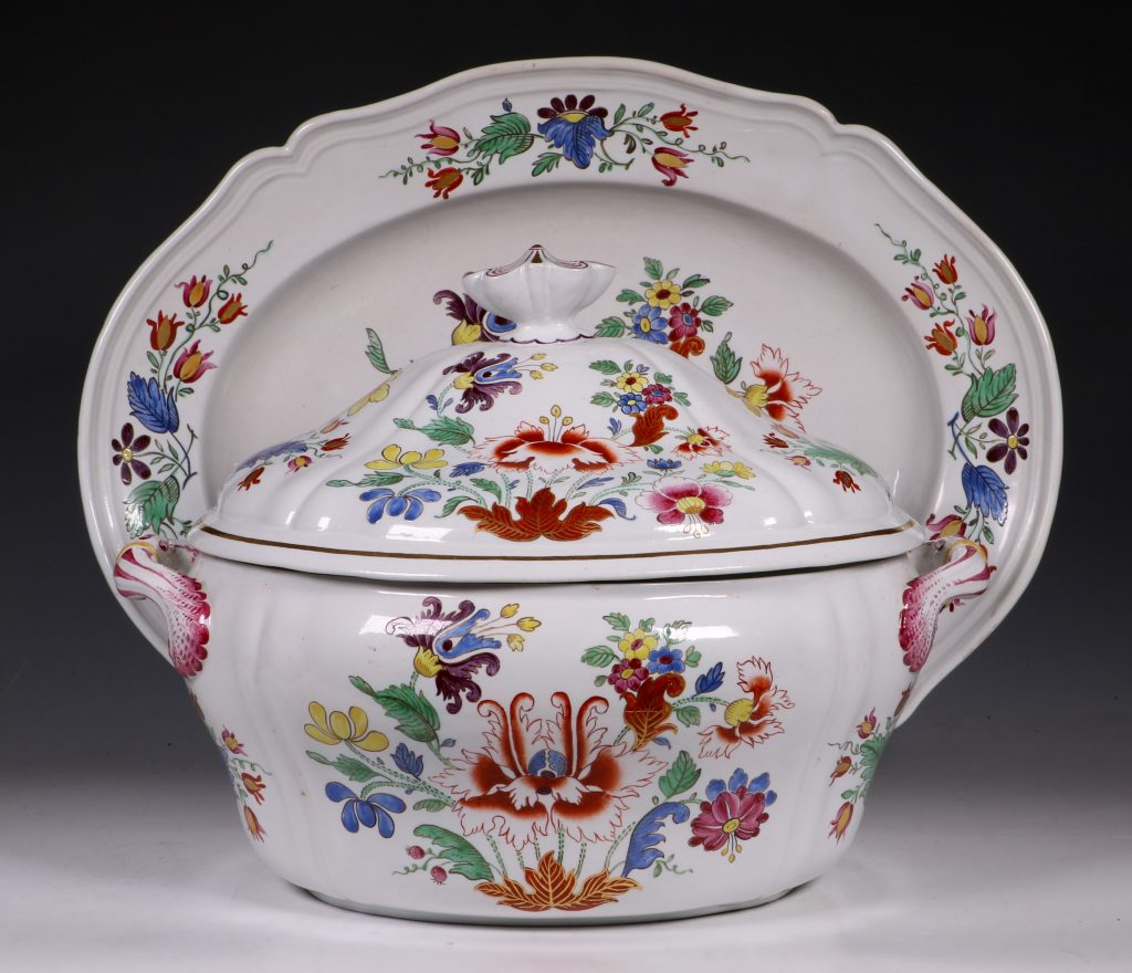 Doccia Tureen Cover and Stand 18thC 1