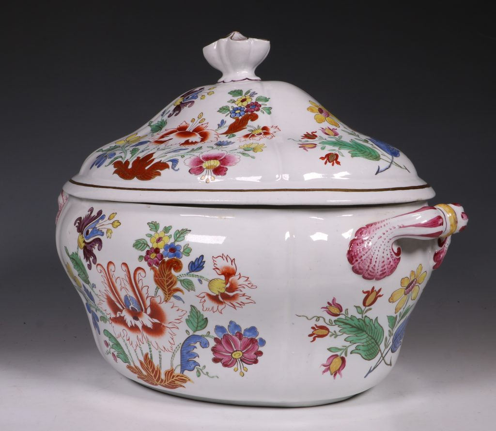 Doccia Tureen Cover and Stand 18thC 6