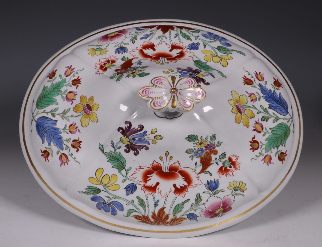 Doccia Tureen Cover and Stand 18thC 10