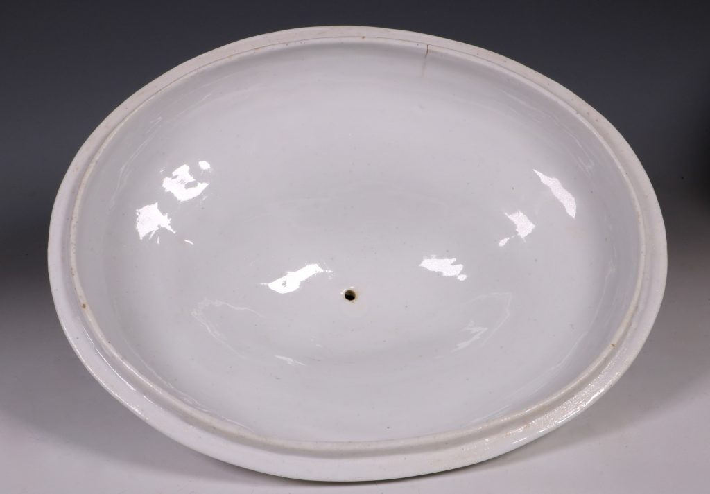 Doccia Tureen Cover and Stand 18thC 11