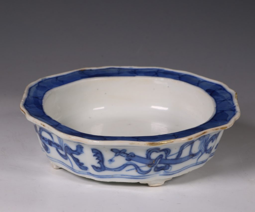 A Small Blue and White Jardiniere and Stand Kangxi C1700 11