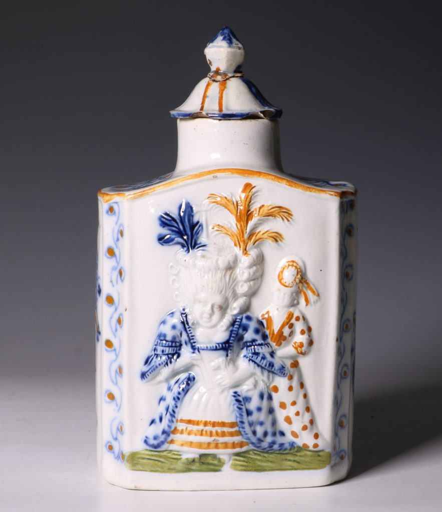 A Prattware Pearlware Macaroni Tea Caddy and Cover C1790 3