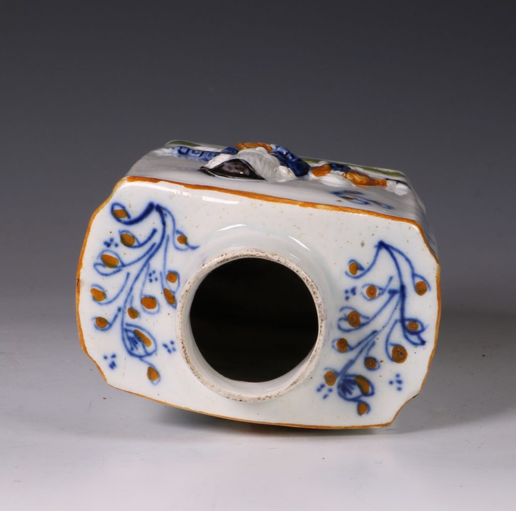 A Prattware Pearlware Macaroni Tea Caddy and Cover C1790 6