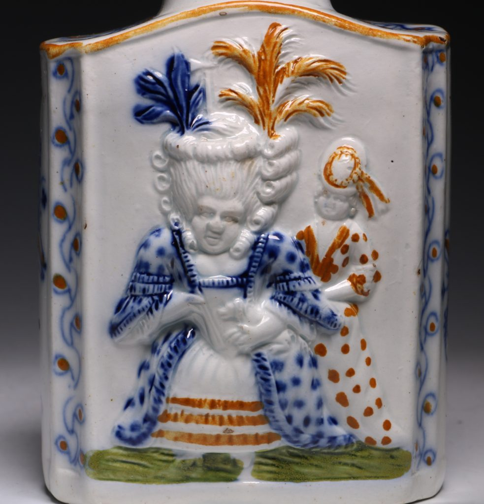 A Prattware Pearlware Macaroni Tea Caddy and Cover C1790 4