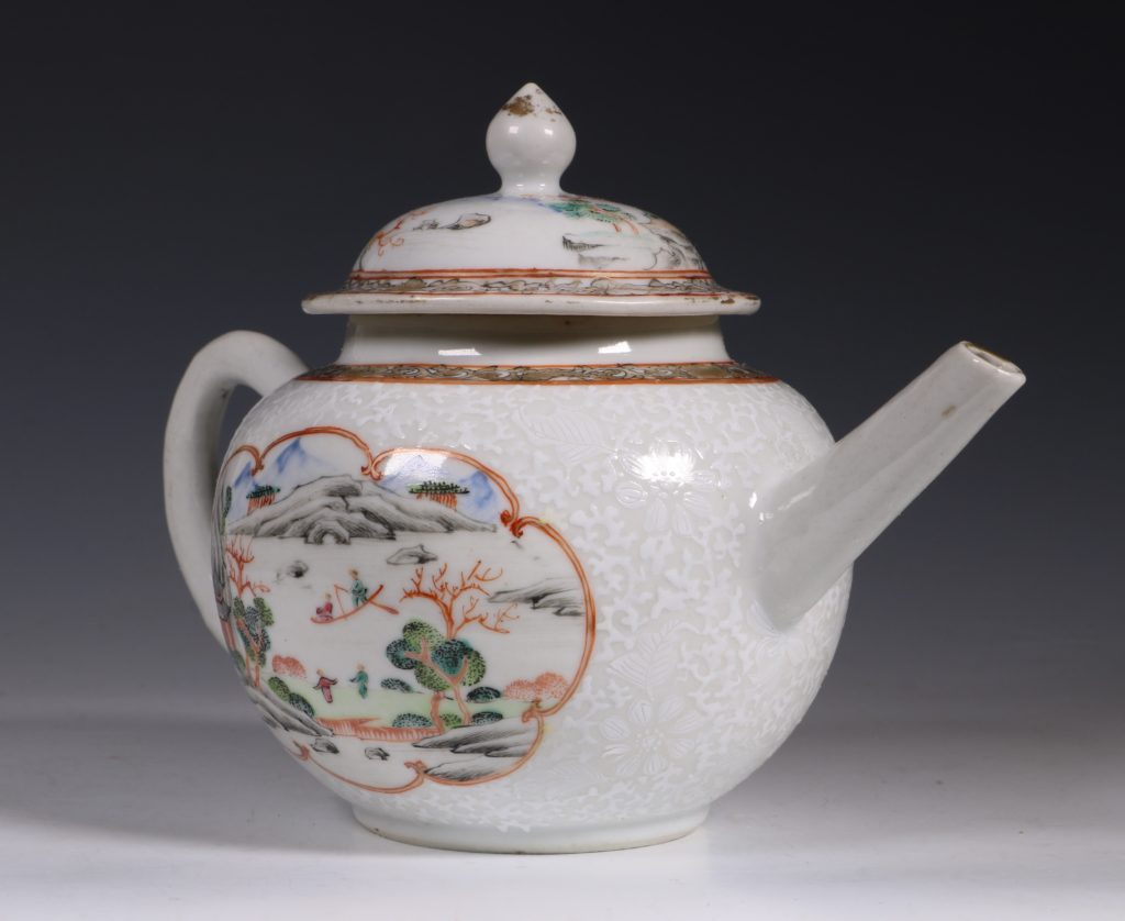 A Fine Famille Rose Teapot and Cover C1735 1