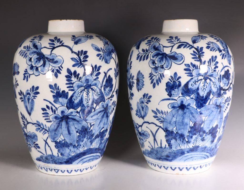 Pair of Dutch Delft Peacock Vases 18thC 4