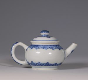 A Miniature Blue and White Teapot and cover Kangxi 17/18thC