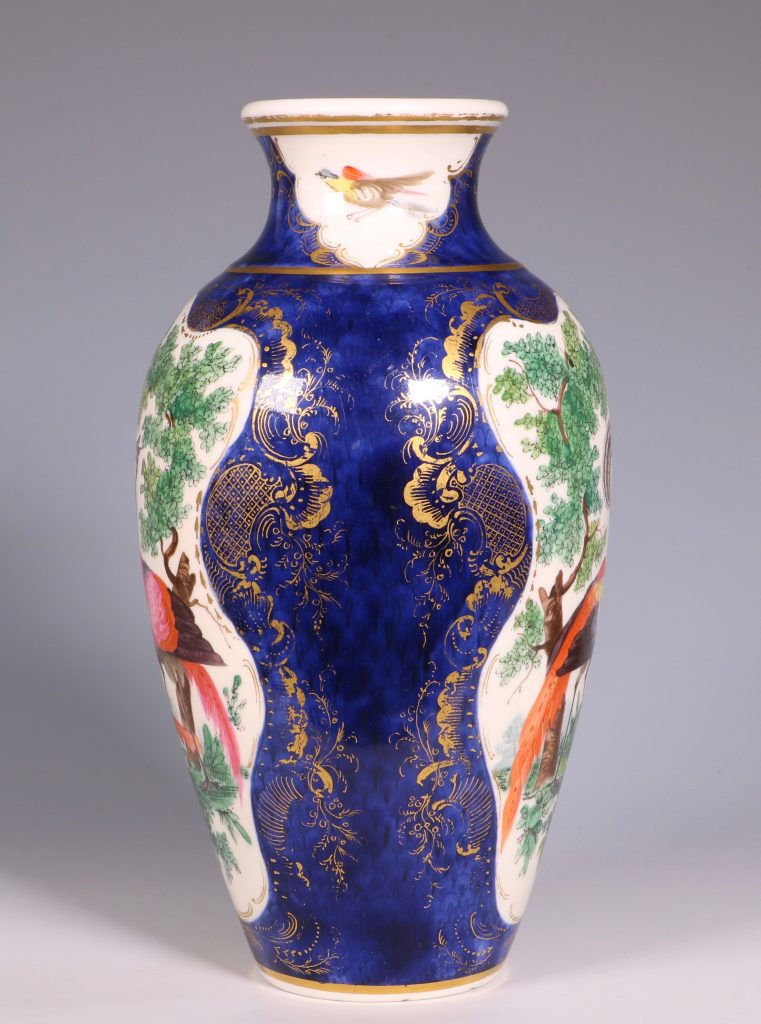 A Worcester Blue Ground Vase C1772 3