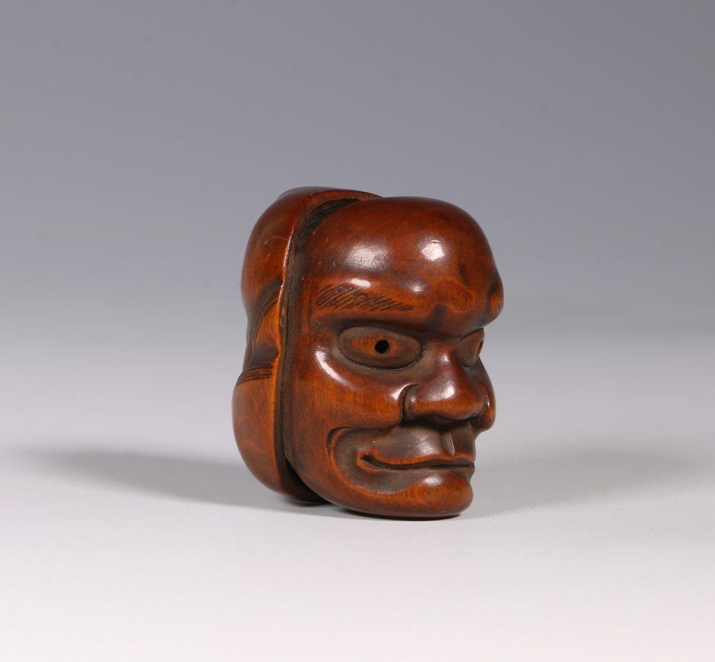 A Boxwood Mask Netsuke 19thC 4