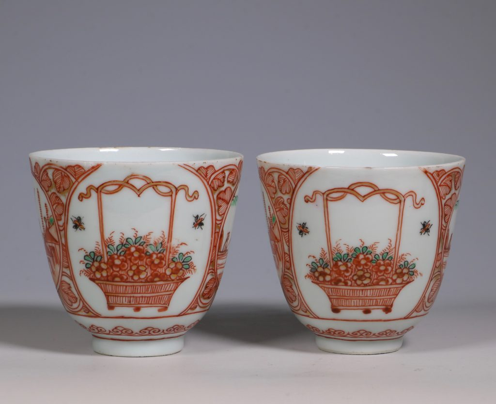 Pair of Dutch Decorated Chinese Beakers and a Saucer 18thC 3