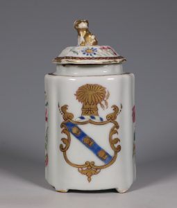 An Armorial Tea Caddy and Cover Qianlong