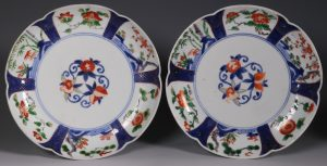 A Pair of Arita Lobed Dishes 17/18thC