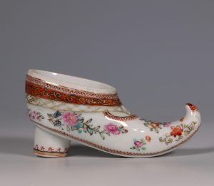 A Rare Chinese Export Famille Rose Shoe Snuff Box C1780