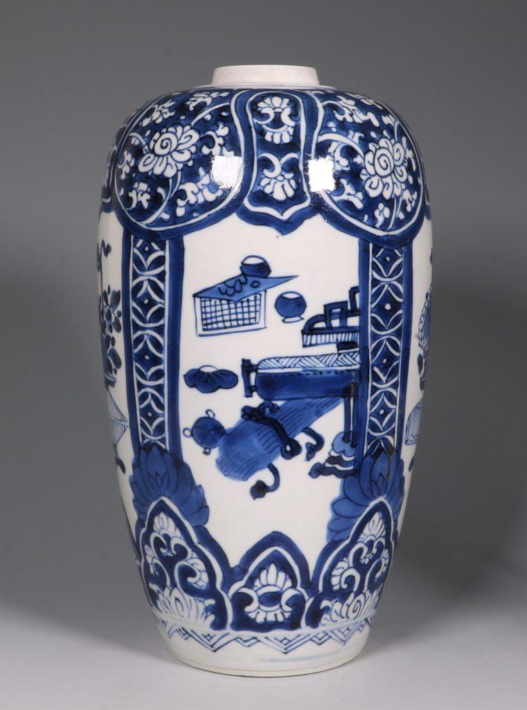 Kangxi Blue and White Ovoid Vase 17/18thC 4