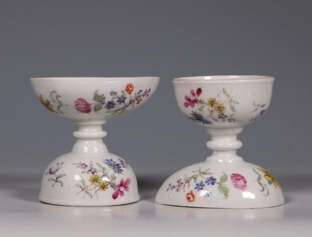 A Pair of Rare Famille Rose Egg Cups Qianlong C1750 2