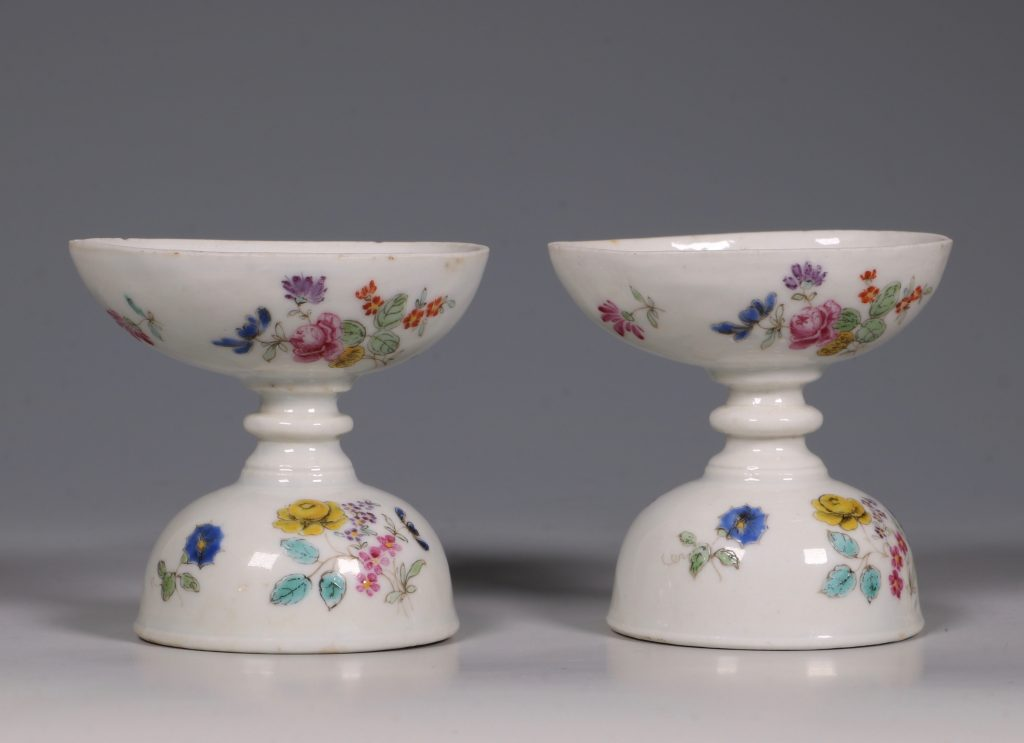 A Pair of Rare Famille Rose Egg Cups Qianlong C1750 4