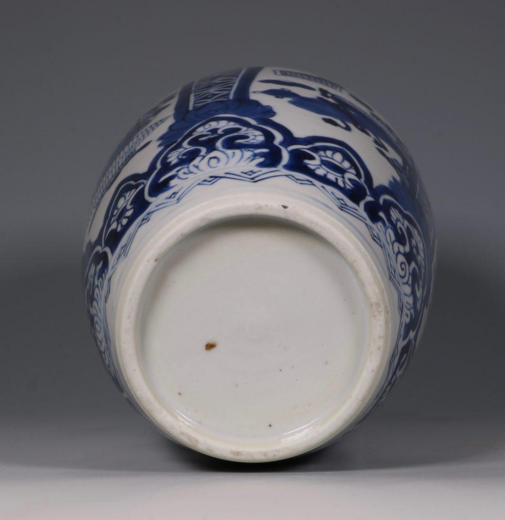 Kangxi Blue and White Ovoid Vase 17/18thC 5