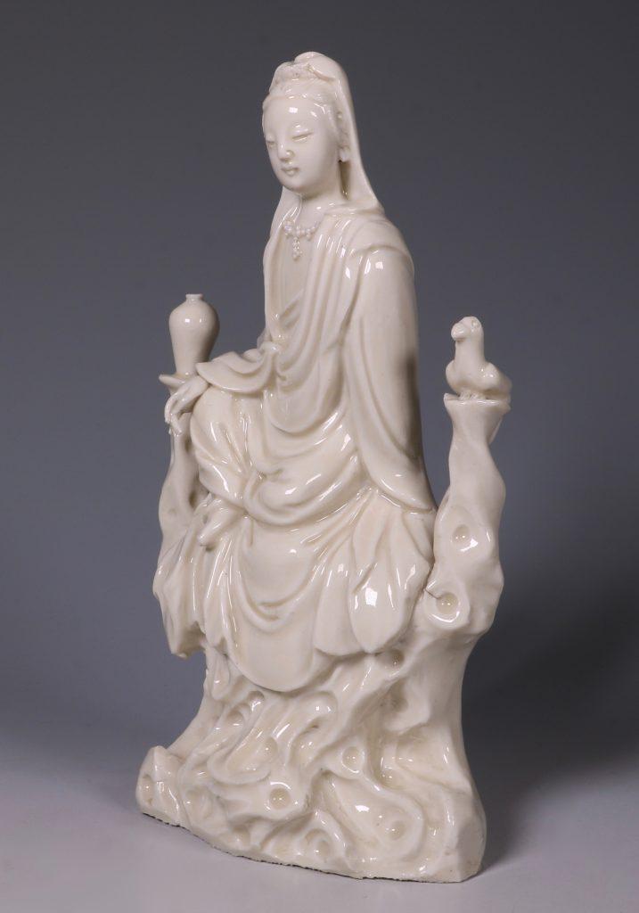 A Blanc de Chine Guanyin 17thC 3