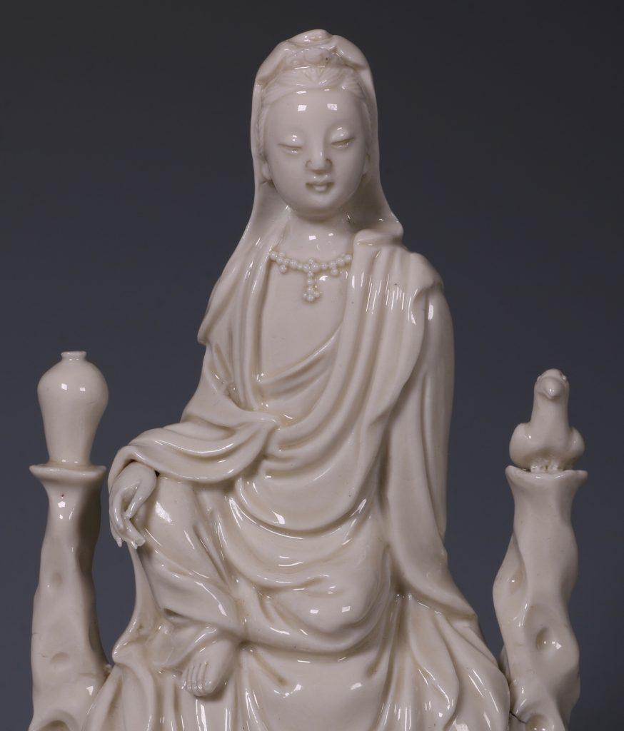 A Blanc de Chine Guanyin 17thC 4
