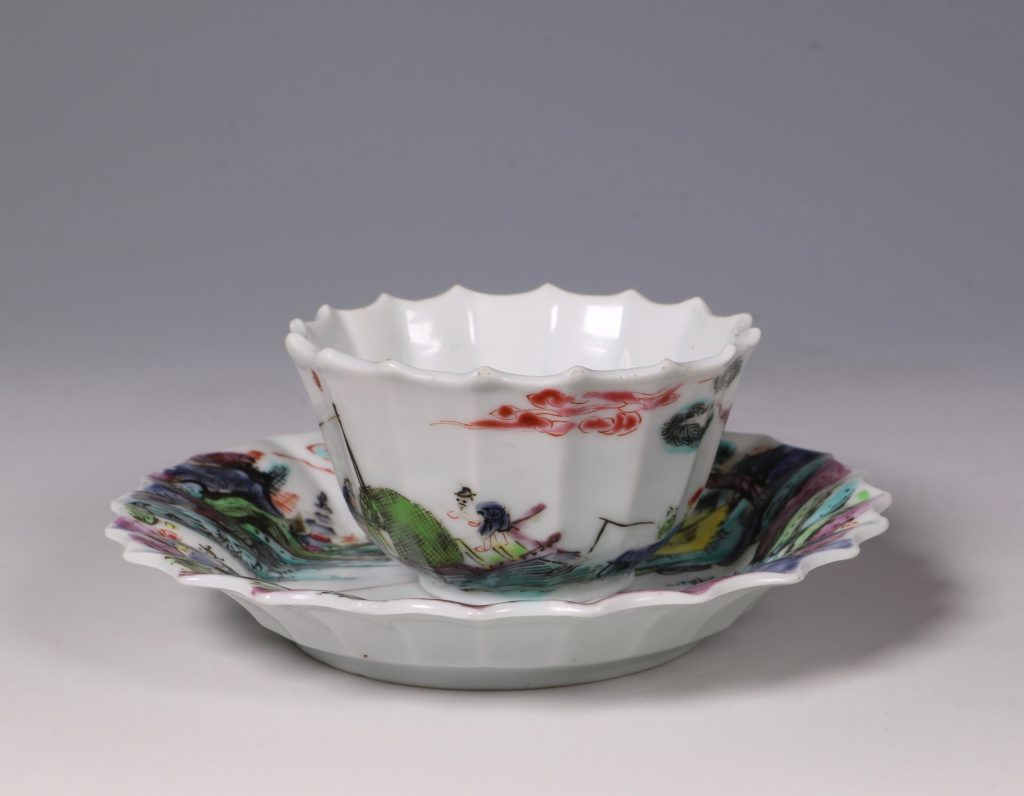 A Fine Famille Rose Tea Bowl and Saucer Yongzheng 2