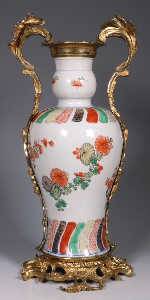 A Pair of Mounted Kangxi Famille Verte Vases 7