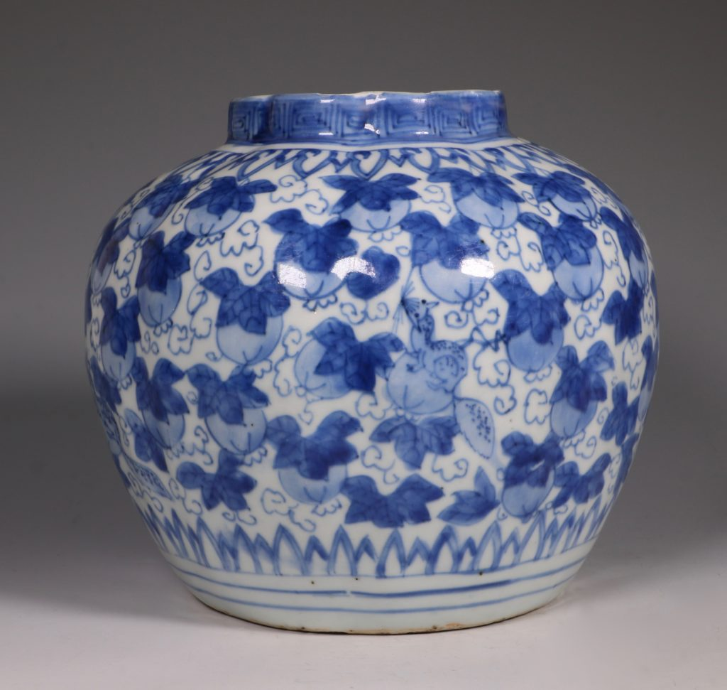 A Ming Blue and White Jar Wanli L16thC 1