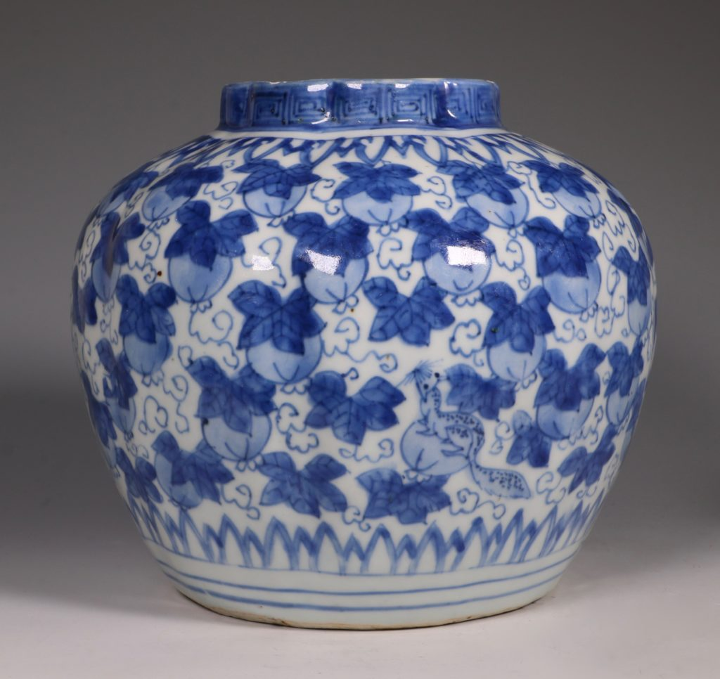 A Ming Blue and White Jar Wanli L16thC 2