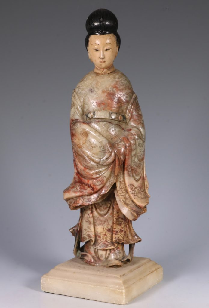 Chinese Soapstone Carving of a Standing Lady 17/18thC 1