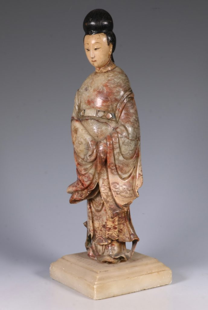 Chinese Soapstone Carving of a Standing Lady 17/18thC 2